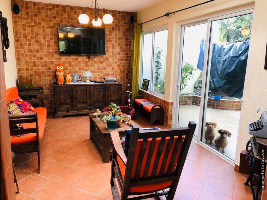 km 19 villa real vendo casa de 3 dormitorios