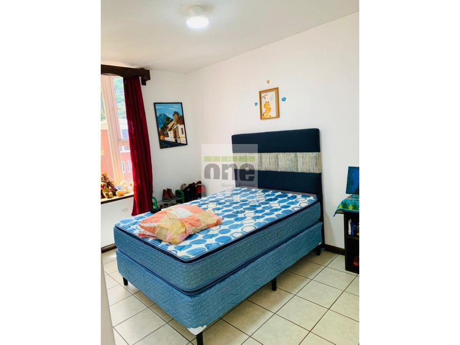 km18 fraijanes santa clara alquilo casa de 4 dormitorios