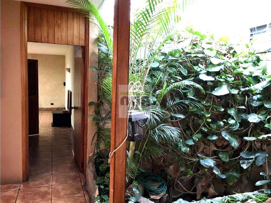 zona 13 vendo amplia casa ideal para oficinas