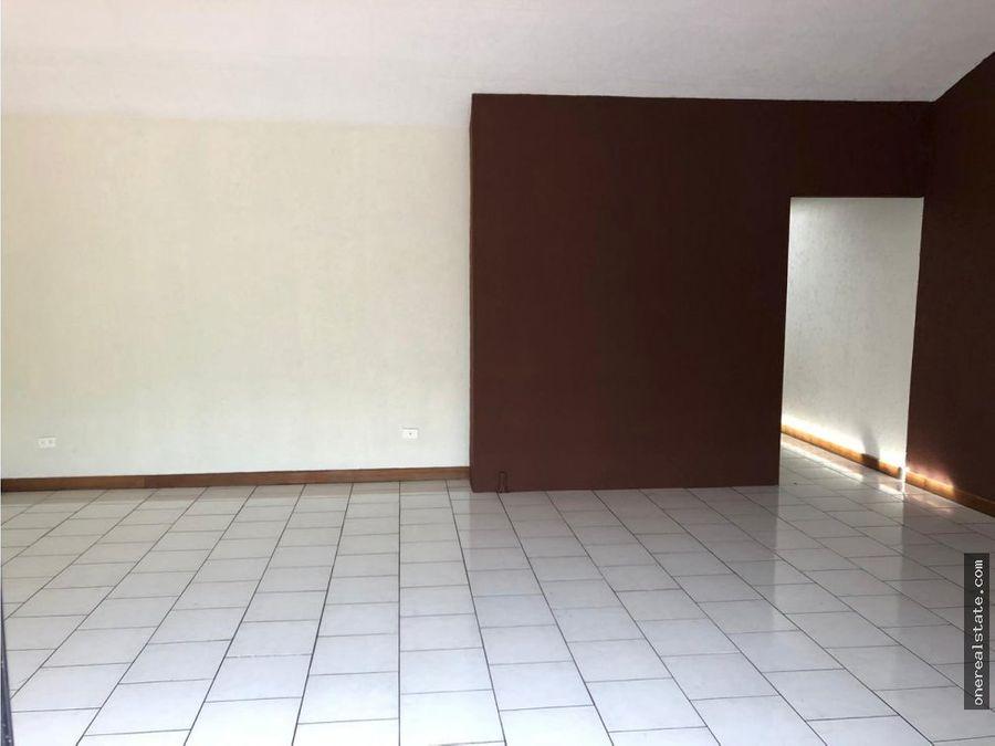 zona 13 vendo casa con 10 ambientes