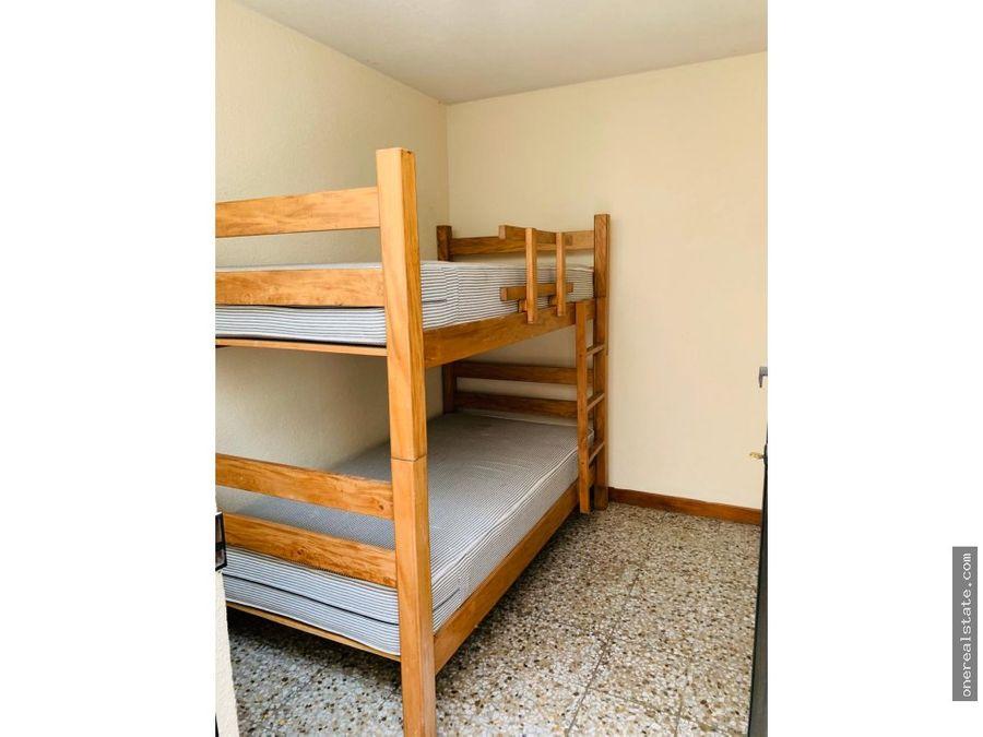 zona 14 casa de 3 dormitorios con jardin