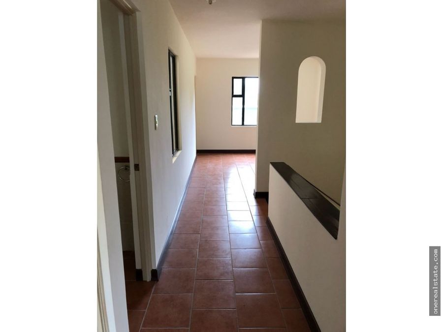 antigua santa catarina casa de 3 dormitorios