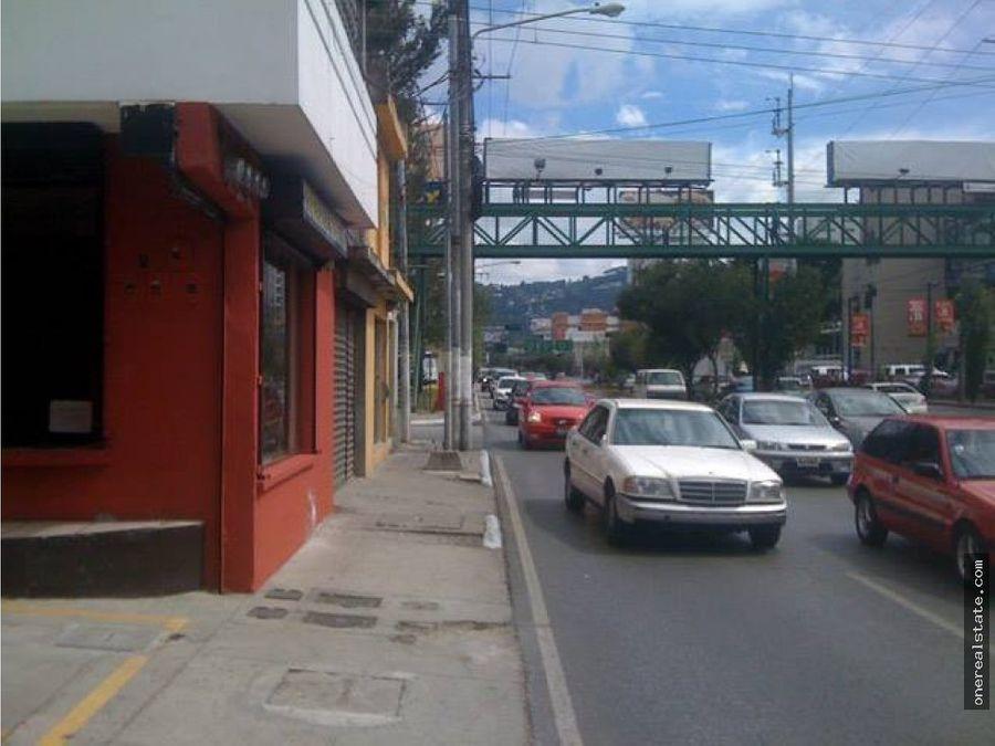 zona 10 boulevard los proceres local