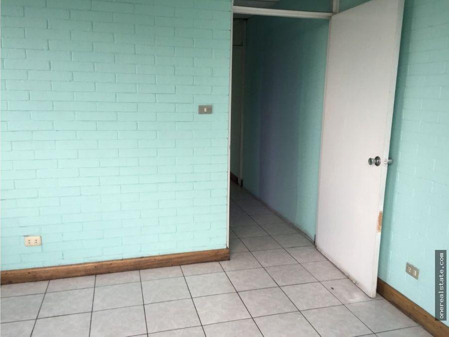 zona 10 vendo oficina de 110 metros