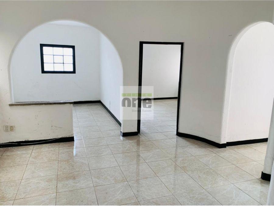 zona 10 alquilo casa ideal para clinica u oficina