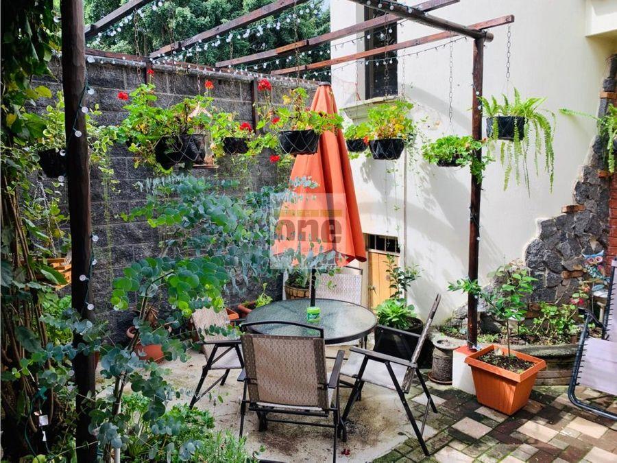 zona 10 vendo casa estilo colonia 5 dormitorios fuera de garita