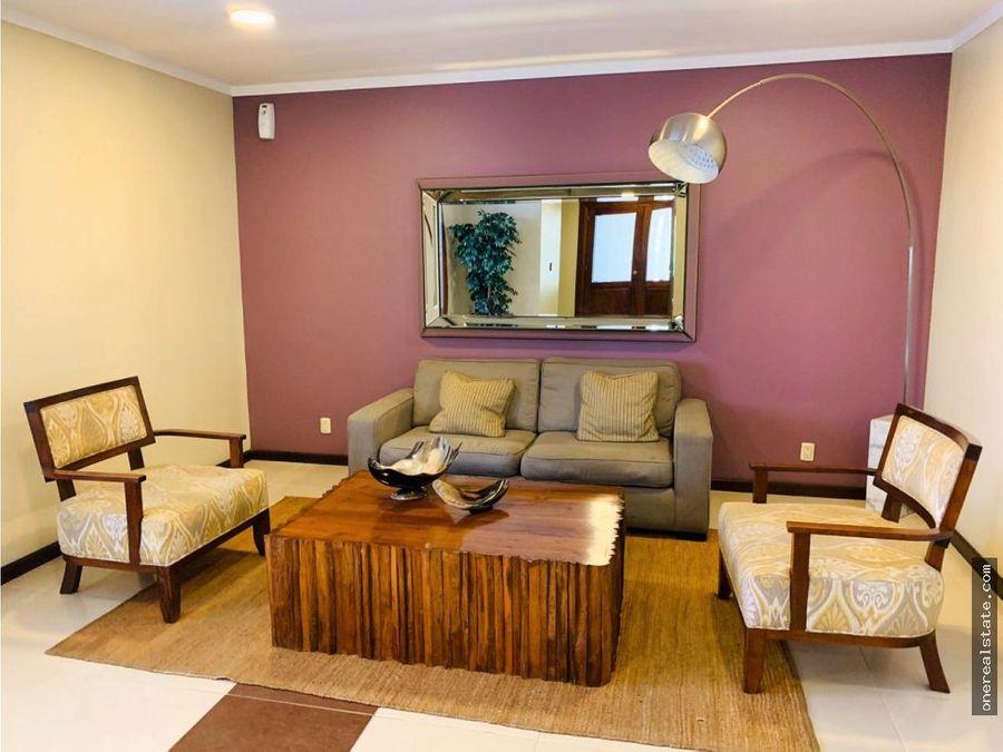zona 14 vivaldi apartamento de 3 dormitorios