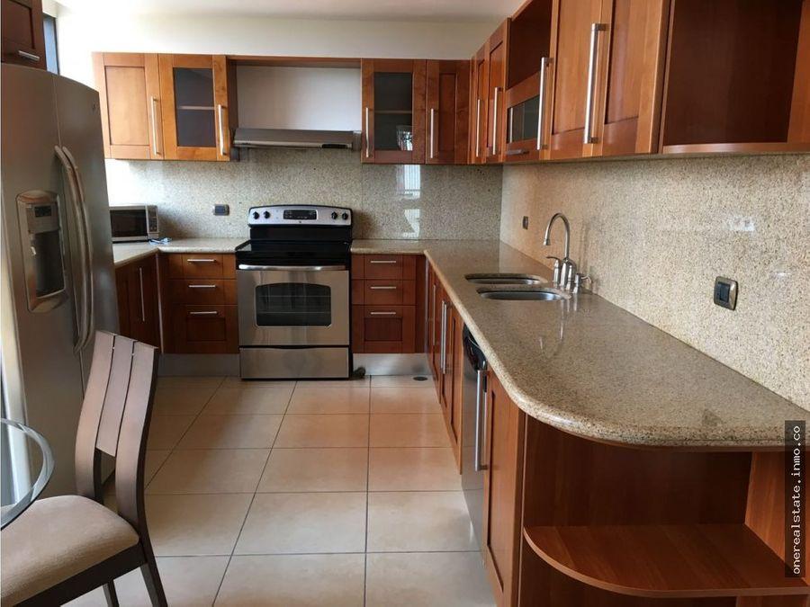 zona 14 alquilo lindo apartamento amueblado