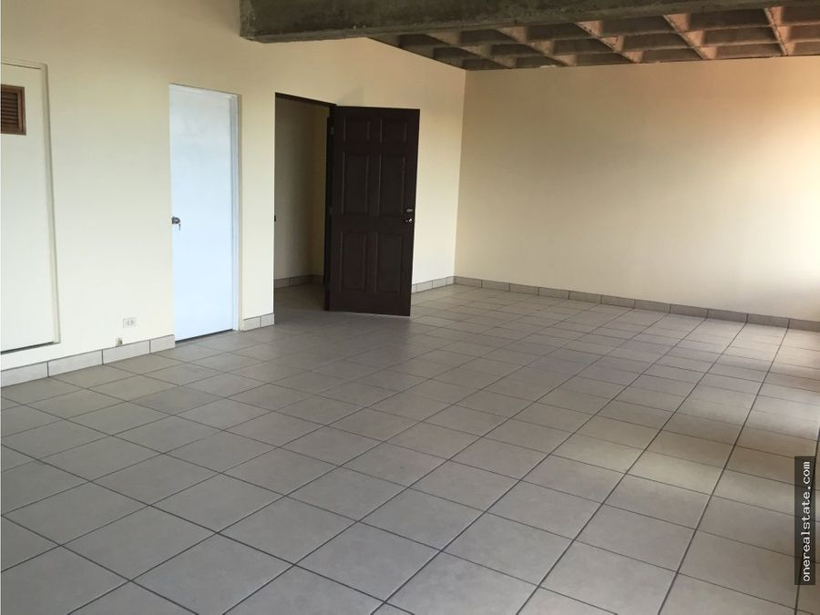 zona 9 oficina en alquiler de 60 mts