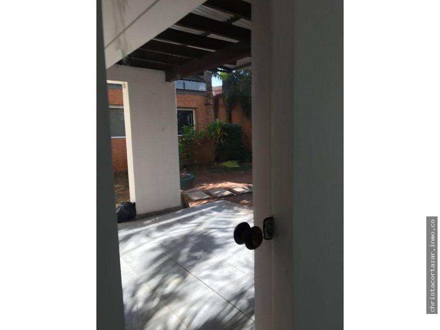 alquilo hermoso duplex en barrio cerrado