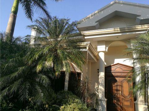 venta hermosa casa zona la piedad asuncion