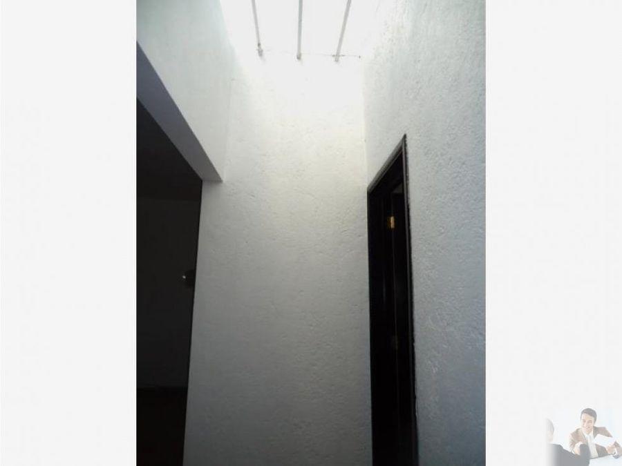 comoda casa 1 nivel en zona burgos