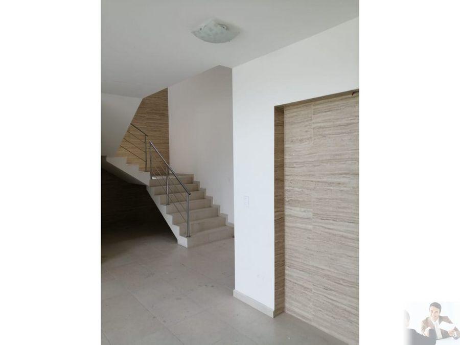 estrena casa con excelentes acabados minimalista