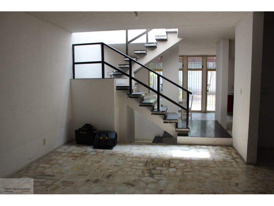 casa sola para remodelar excelente ubicacion