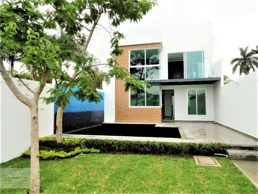 moderna casa disponible a partir del 17 julio
