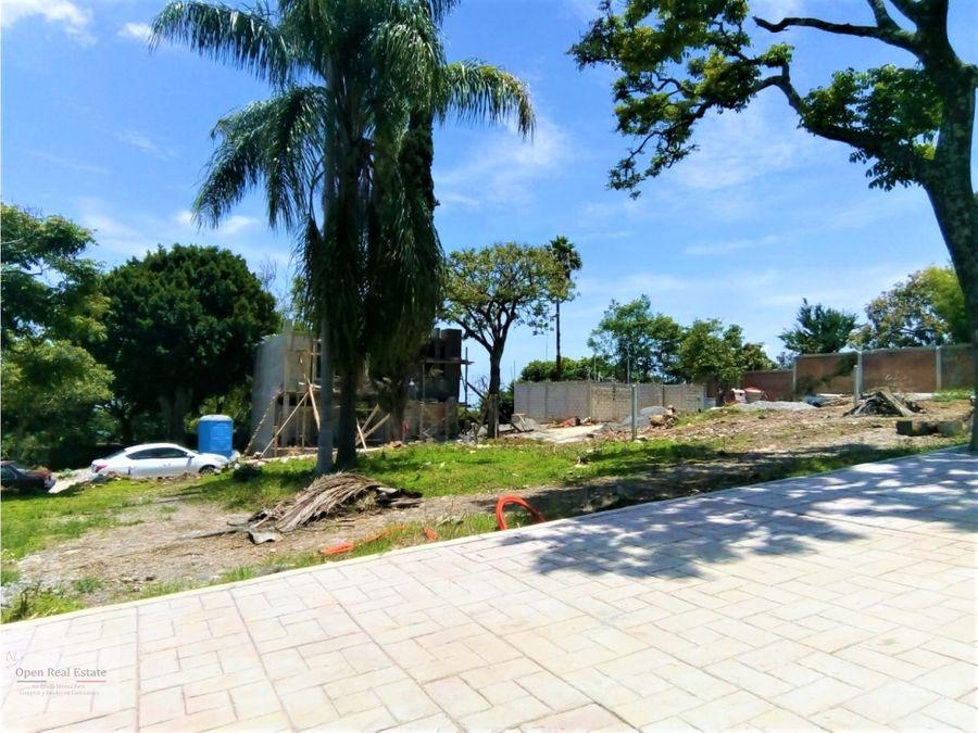 ideal terreno en exclusiva zona residencial en cuernavaca