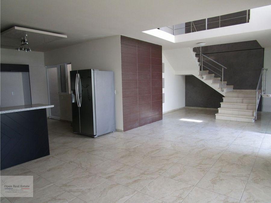 casa minimalista con vista panoramica