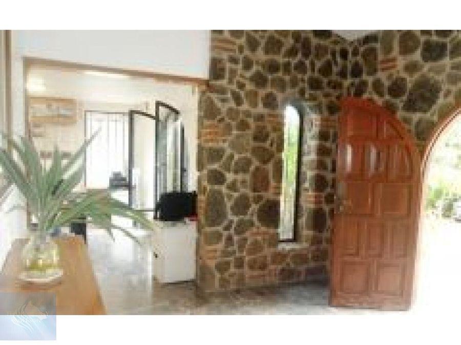 amplia casa estilo colonial en cuernavaca