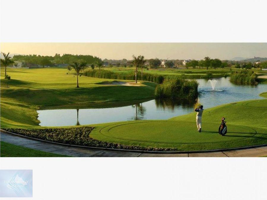 departamento con entorno a campo de golf