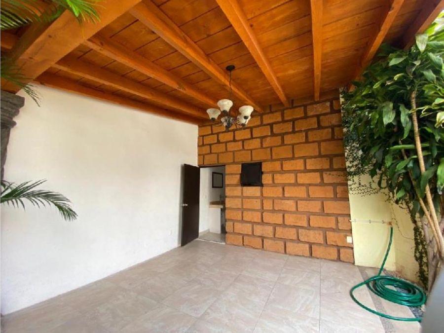 hermosa casa de 1 planta estilo colonial mexicano en zona dorada