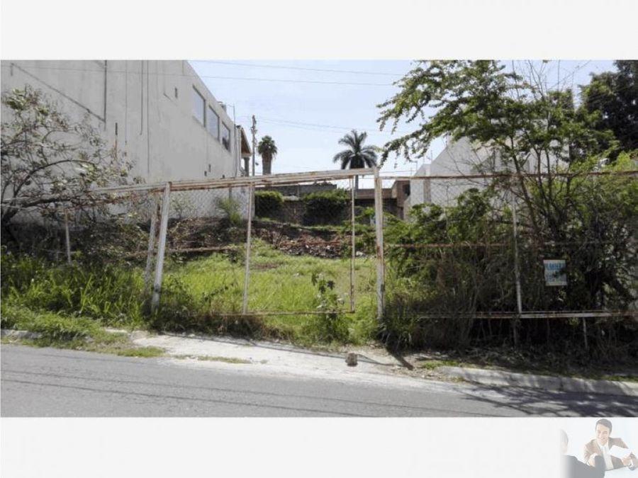 terreno con dos frentes acceso en calle principal