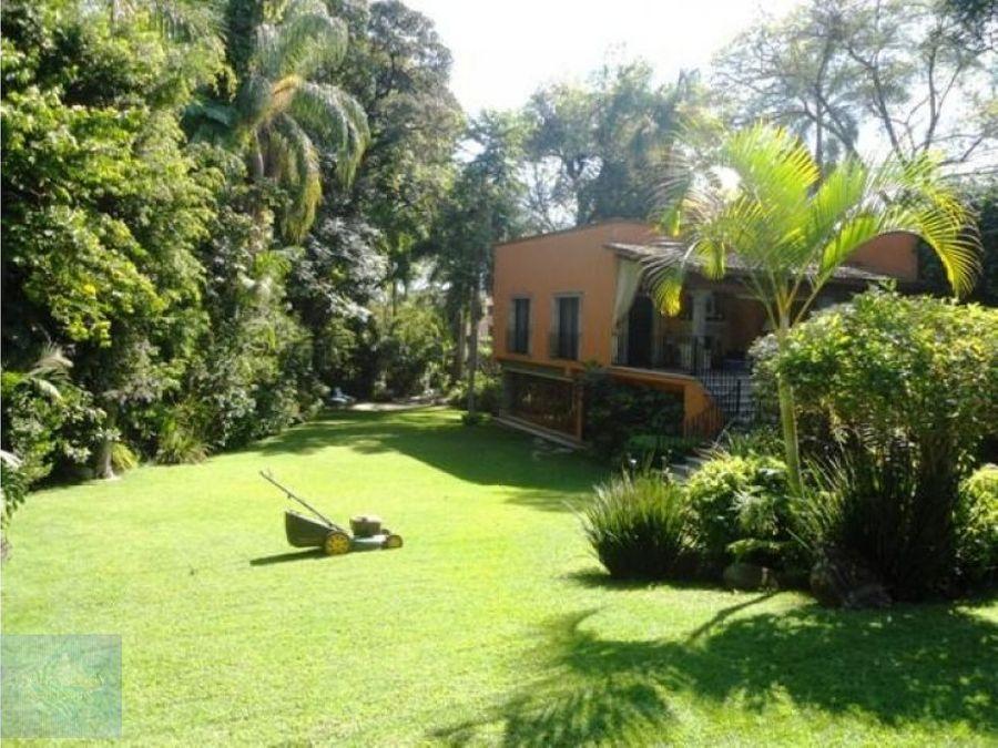 magnifica casa con master suite y family room