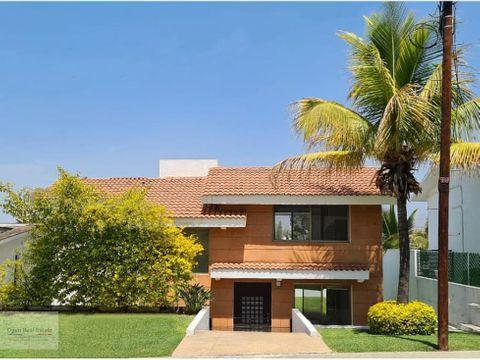 casa con espectacular vista panoramica en lomas de cocoyoc