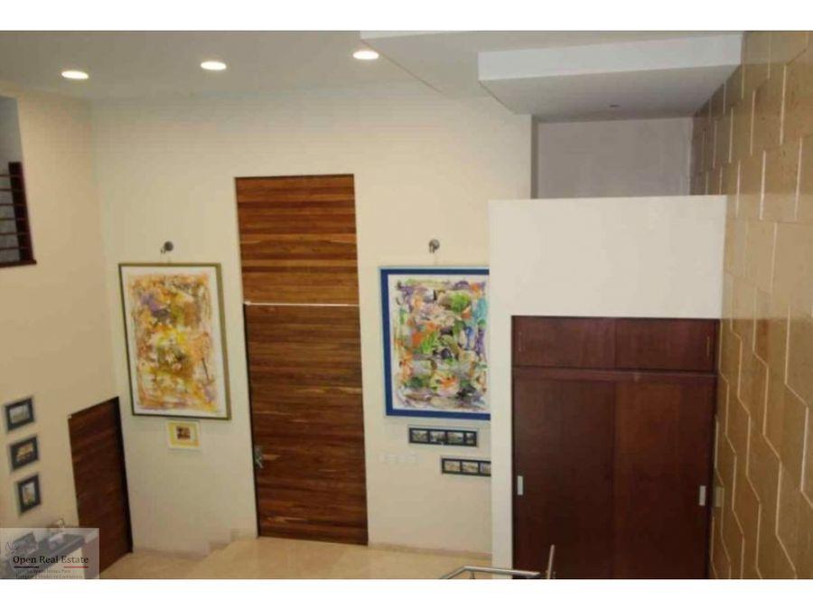 fina residencia dentro de exclusivo conjunto residencial