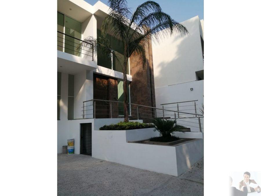 estrena casa minimalista en residencial corinto