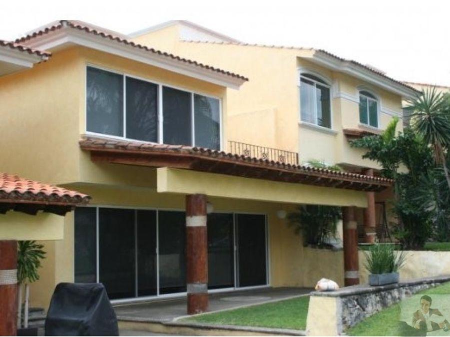 casa en hermoso condominio de burgos bugambilias