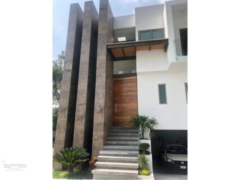 hermosa casa estilo minimalista en cuernavaca zona dorada