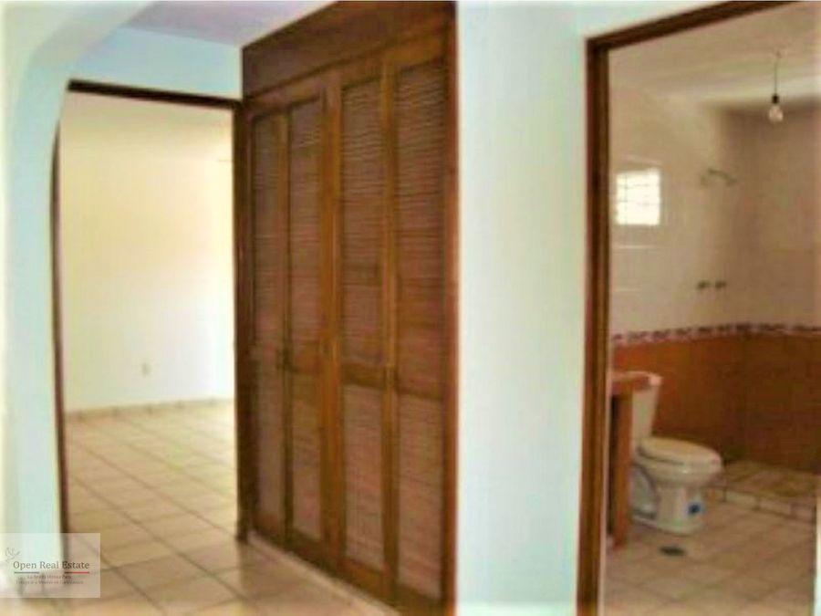 amplia casa sola a remodelar solo contado