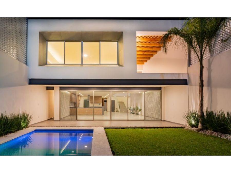 estrena espectacular residencia con roof garden en cuernavaca