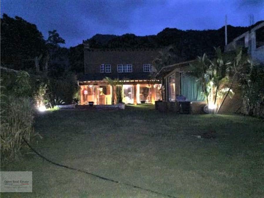 hermosa casa en tepoztlan la mejor zona y el mejor clima