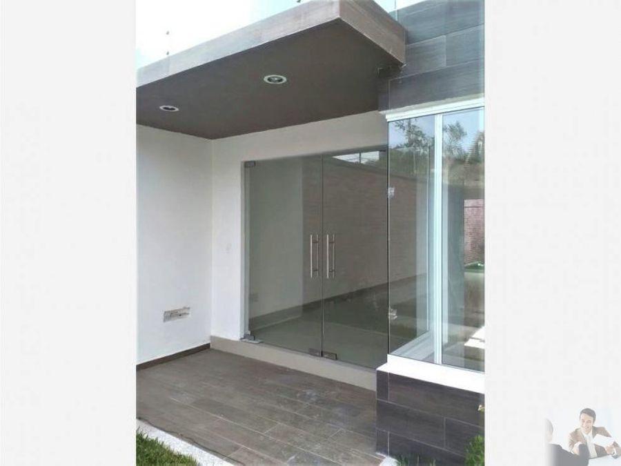 casa minimalista con roof garden
