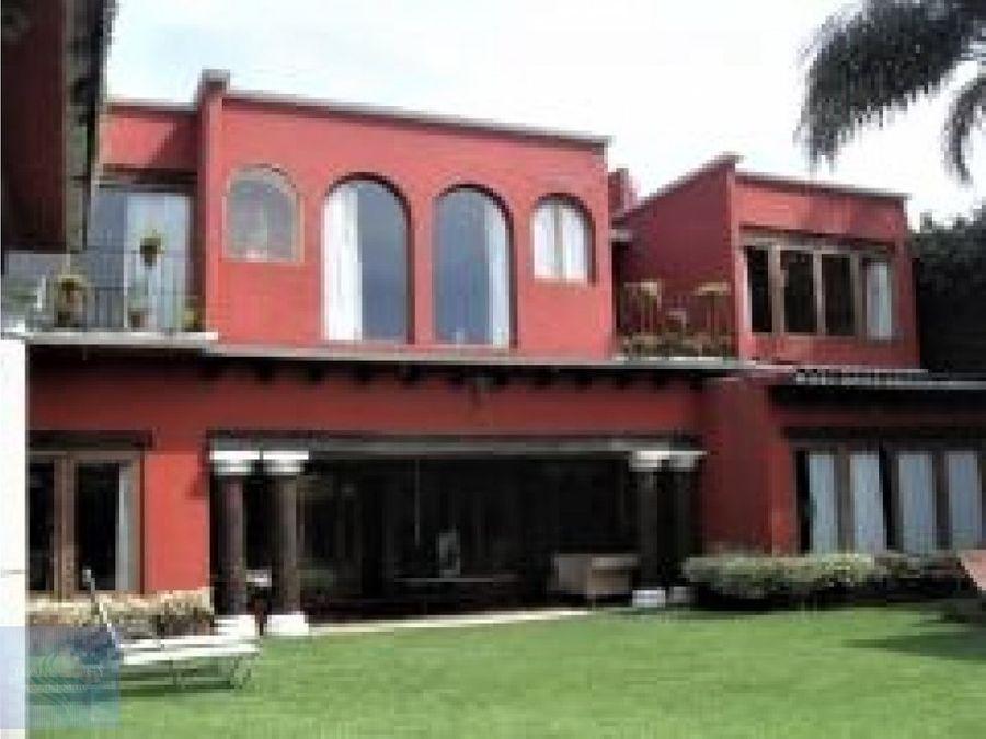 grandiosa casa colonial jardin y alberca equipada