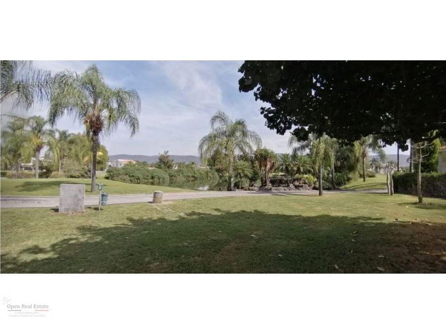 terreno con campo de golf en paraiso country club