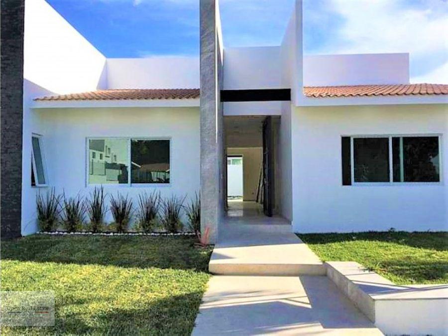 moderna casa al oriente de cuernavaca
