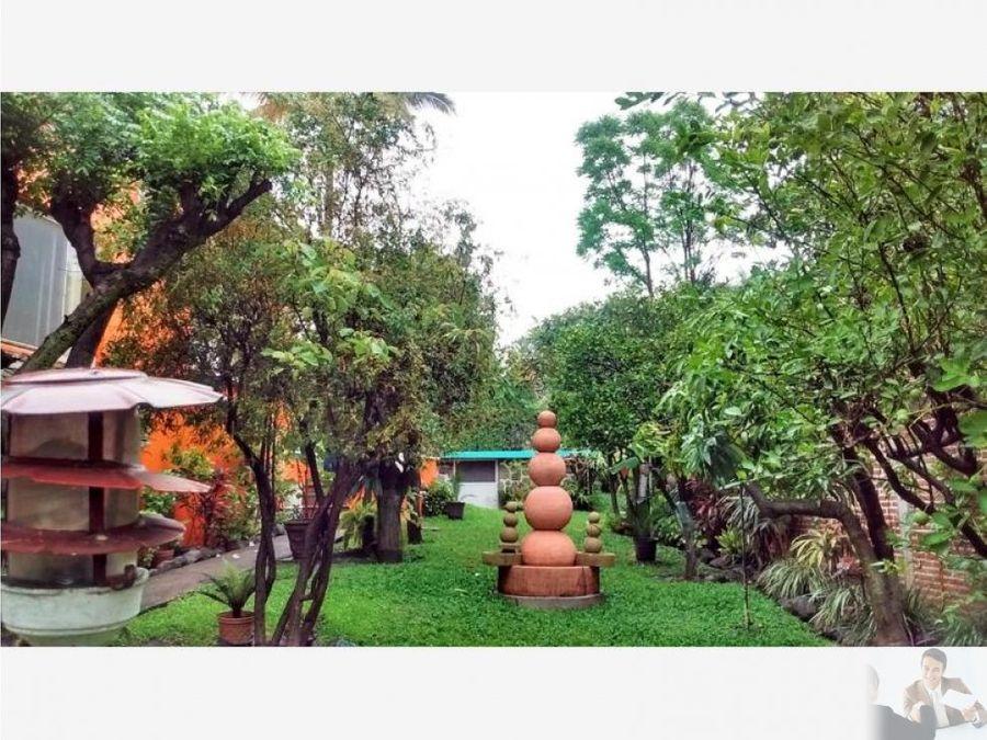 amplia casa un nivel seguridad jardin y alberca