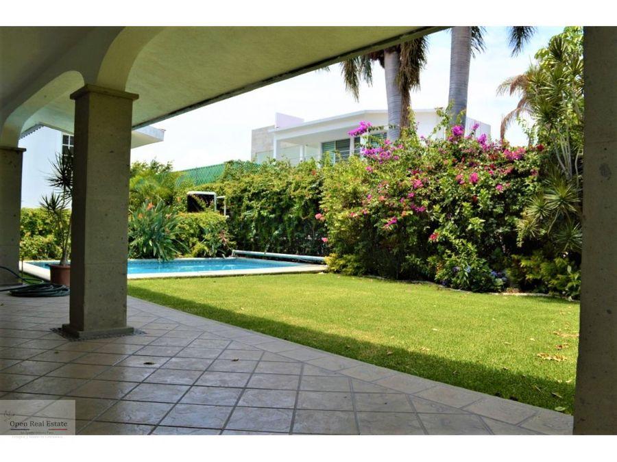 espectacular casa en cocoyoc con jardin y alberca