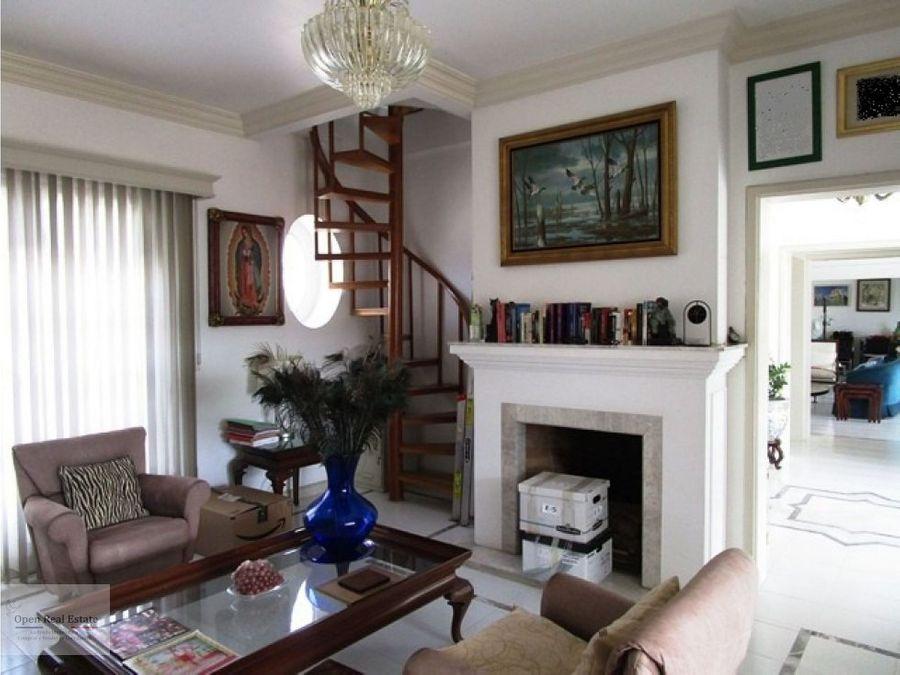 excelente casa en un nivel remodelada seguridad 247