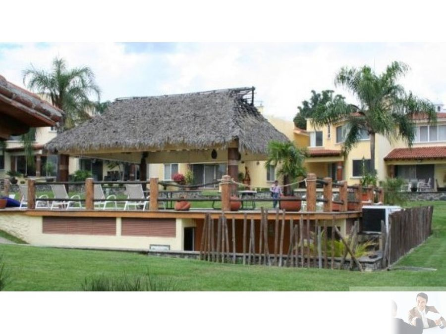 bella casa ubicada en burgos bugambilias
