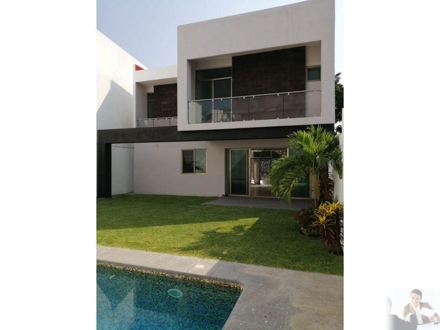 casa estilo minimalista en zona exclusiva del sur