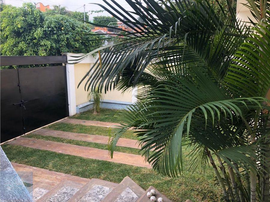 manifica casa con alberca y jardin privado