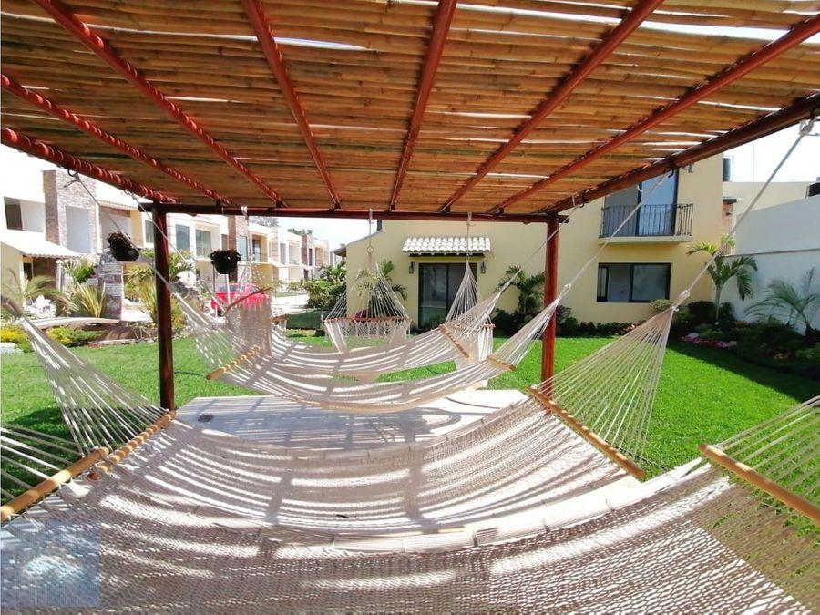 lujosa casa en privada alberca y jardin
