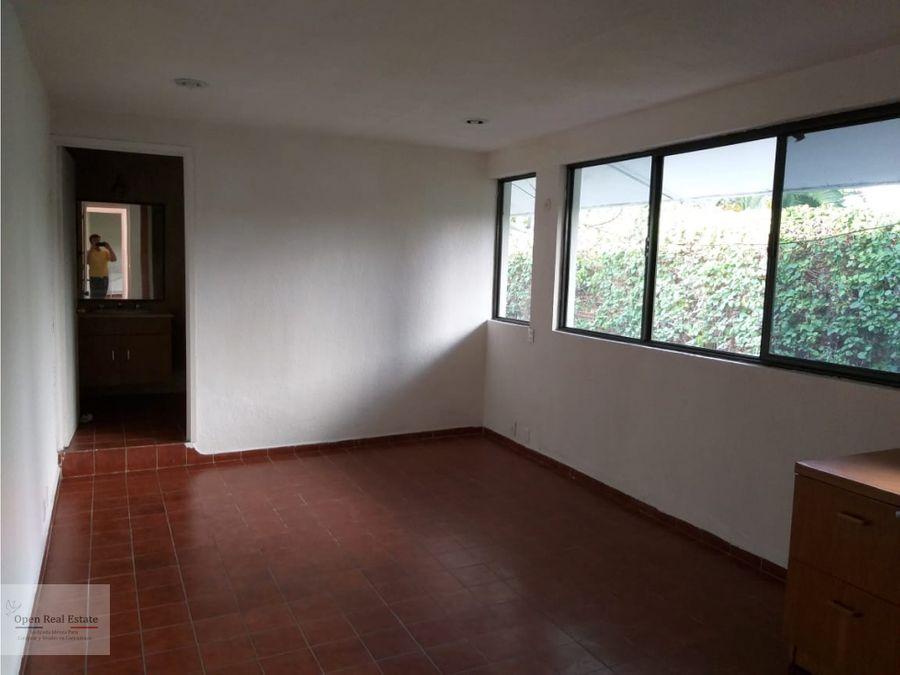 amplia casa con 3 deptos independientes y bungalow