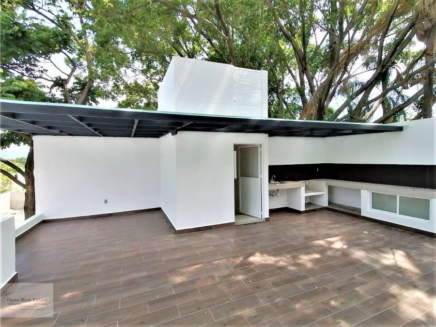 exclusiva privada casa con roof garden y jardin pv