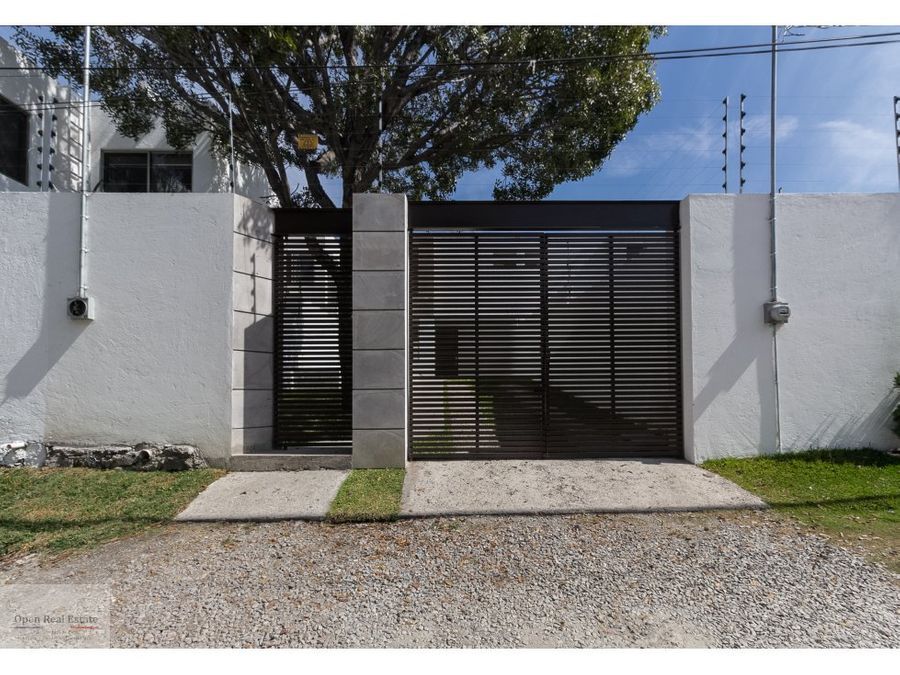 ultima casa sola minimalista alberca