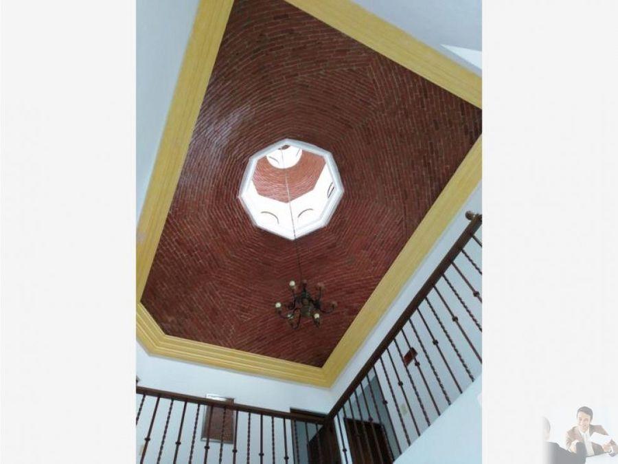 casa estilo cuernavaca en burgos