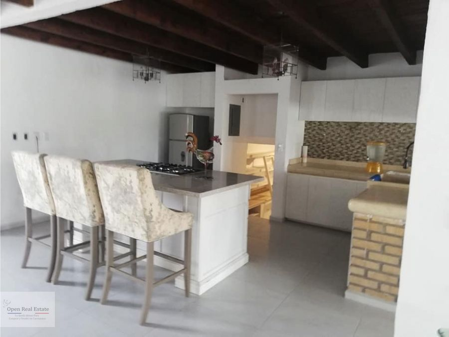 exclusiva casa con estilo y personalidad en zona dorada con seguridad